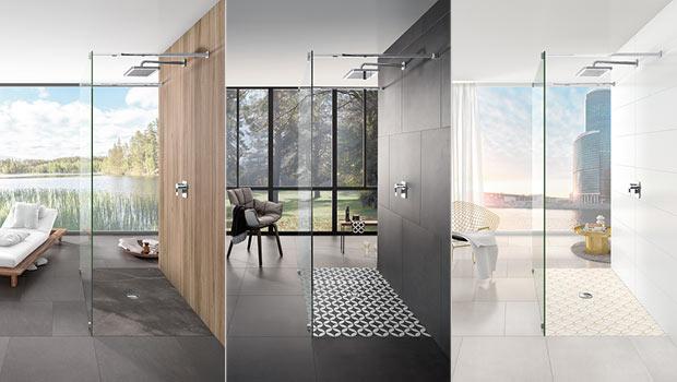 Bodenebene Duschflächen mit unterschiedlichen Motiven